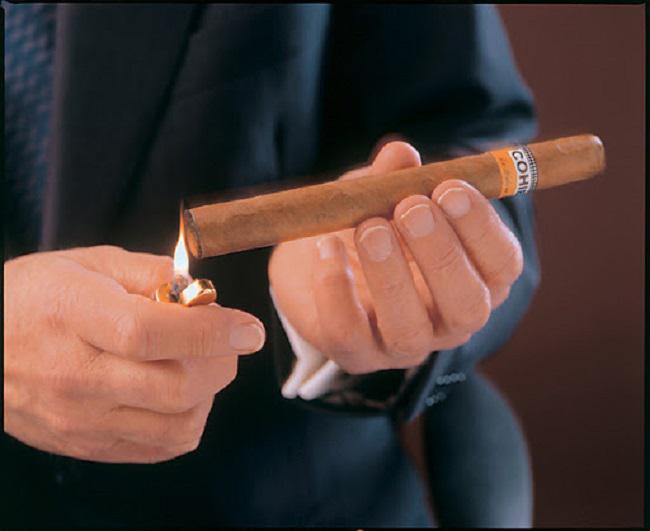 Xì gà Cuba tại Vinh hút thế nào cho chuẩn