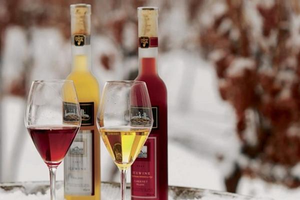 Tết này bạn chọn lựa quà rượu uy tín ở đâu?