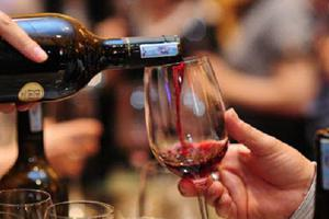 4 điều nên tránh khi thưởng thức rượu vang