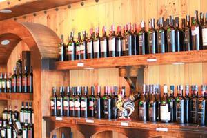 Hầm rượu Vương Anh – Địa chỉ mua rượu vang Tết uy tín, chất lượng