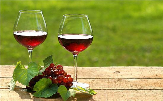 Tại sao bạn nên uống Rượu Vang mỗi ngày