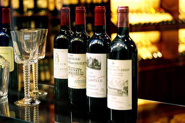 Điều cơ bản khi thưởng thức rượu vang ngon đúng điệu
