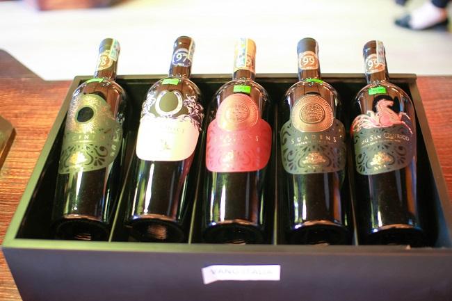 Vì sao đáy chai rượu vang lại lõm? | Hầm Rượu Vương Anh